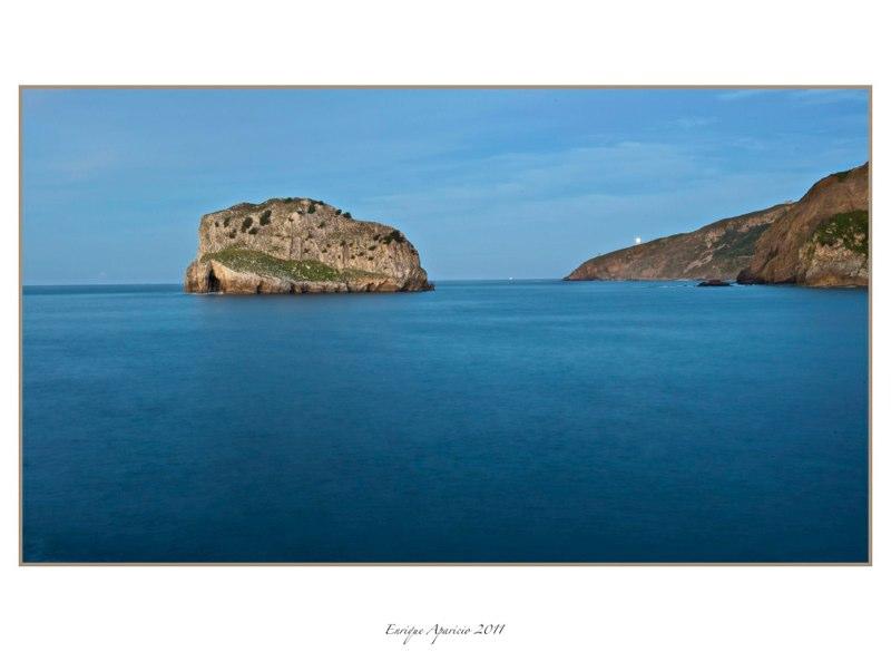 isla en S. juan de Gaztelutxe
